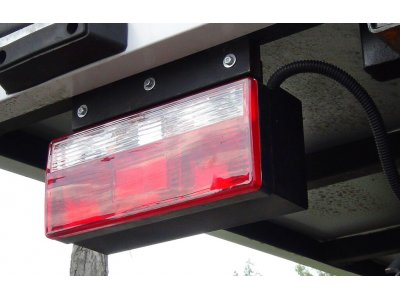 Крышка на задний фонарь Fenix 33460 2011-