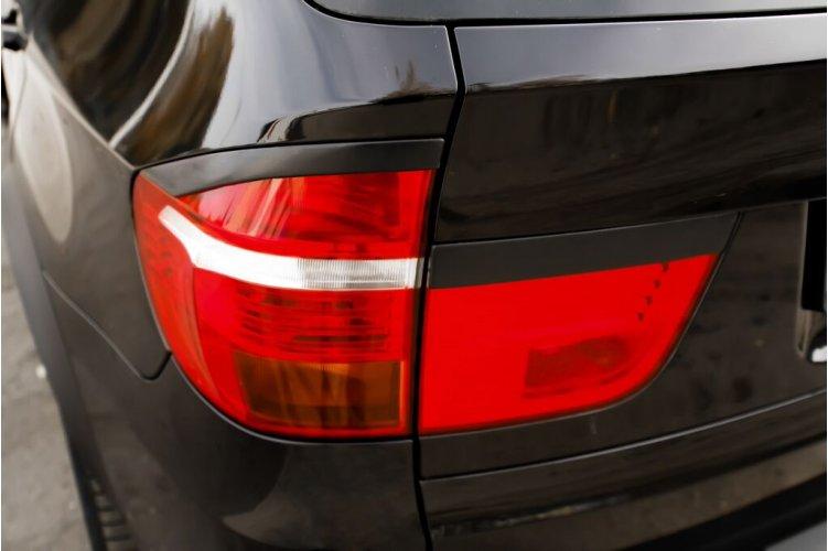 Накладки на задние фонари BMW (E70) 2007-