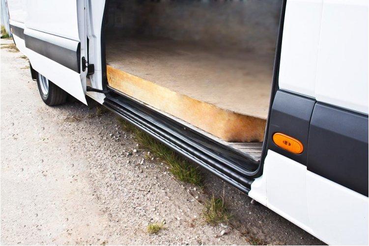 Накладка на порог боковой двери Mercedes Sprinter 2006-2013