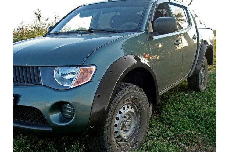 Комплект (расширители арок 3мм+брызговики) Mitsubishi L200 2007-