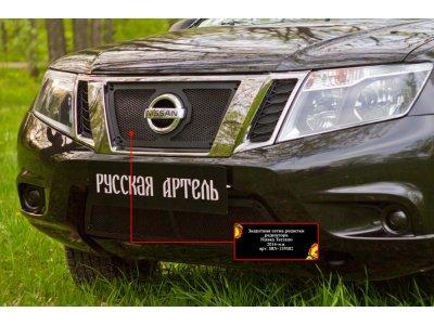 Пластиковая сетка в радиатор для Nissan Terrano 2014-