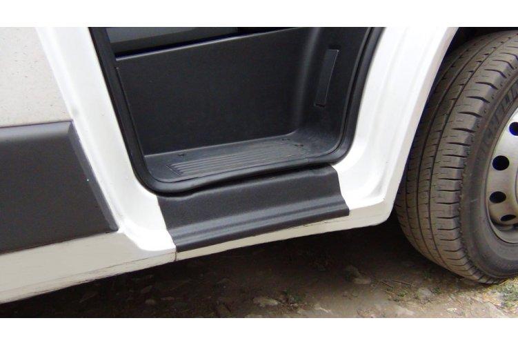 Накладки порогов двери (кузов 250) Пежо Боксер