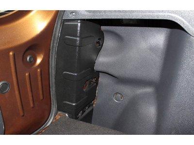Накладки на стойки багажника Рено Дастер 2015-