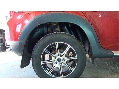 Подкрылки задних арок Renault Duster 2010-