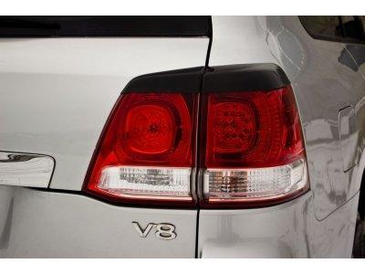Накладки на задние фонари Toyota Land Cruiser 200