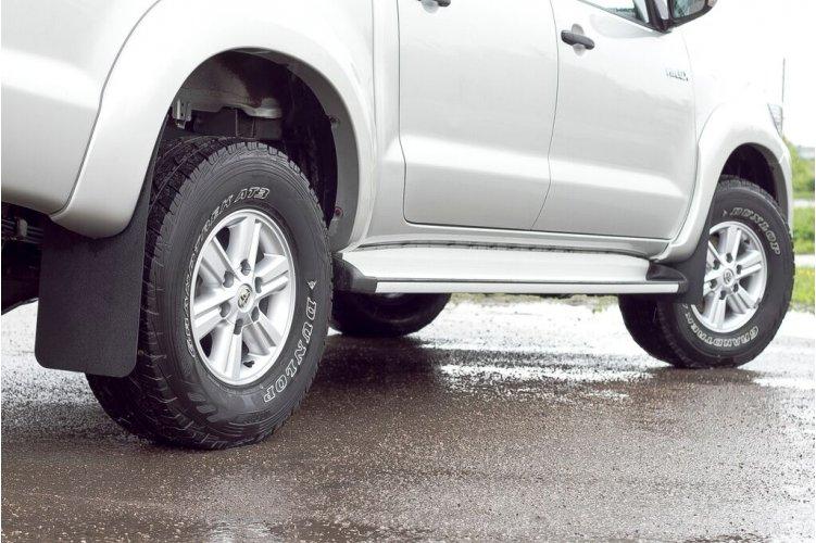Брызговики на Toyota Hilux 2013-
