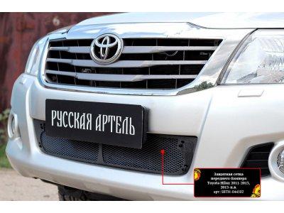 Защитная сетка бампера Toyota Hilux 2011-2013
