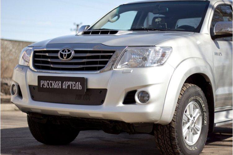 Зимняя заглушка для бампера Toyota Hilux 2013-