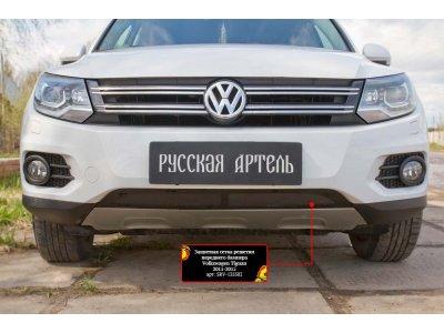 Пластиковая сетка в бампер для Volkswagen Tiguan 2011-