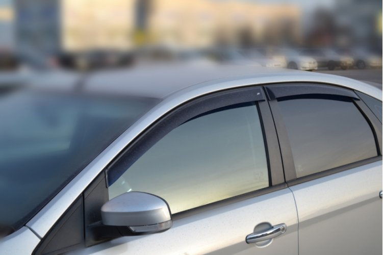 Дефлекторы на боковые окна Форд Фокус 2004-