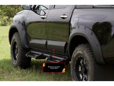 Молдинги для дверей Toyota Hilux 2015-
