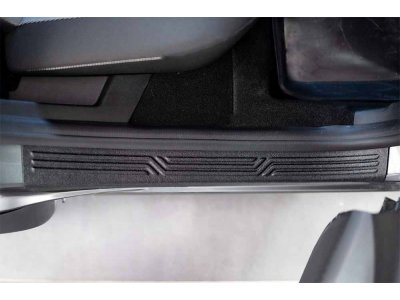 Накладки на пороги дверей Renault Arkana 2019-