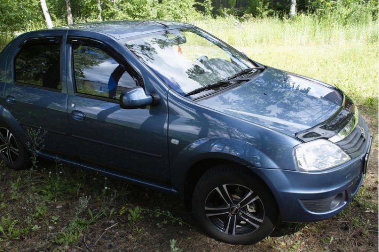 Жабо цельное без скотча Renault Logan 2010-2013