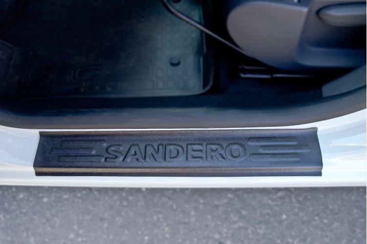 Накладки на пороги Renault Sandero Stepway 2014-